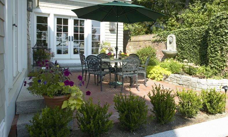 New England Outdoor Entertaining Areas