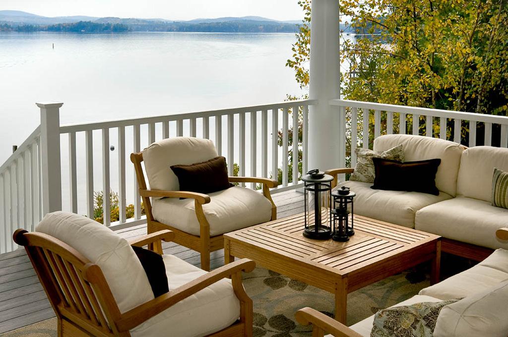 2017 architectural design winner the grantham lake house new - Lake Home Design Ideas