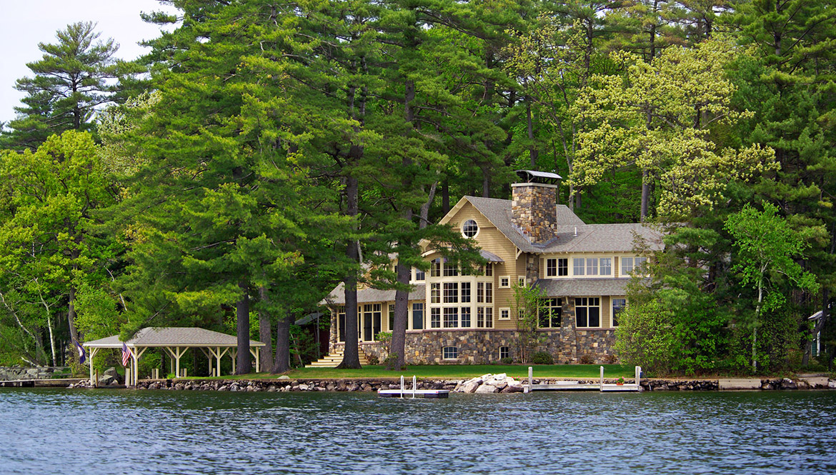 Winnipesaukee Escape