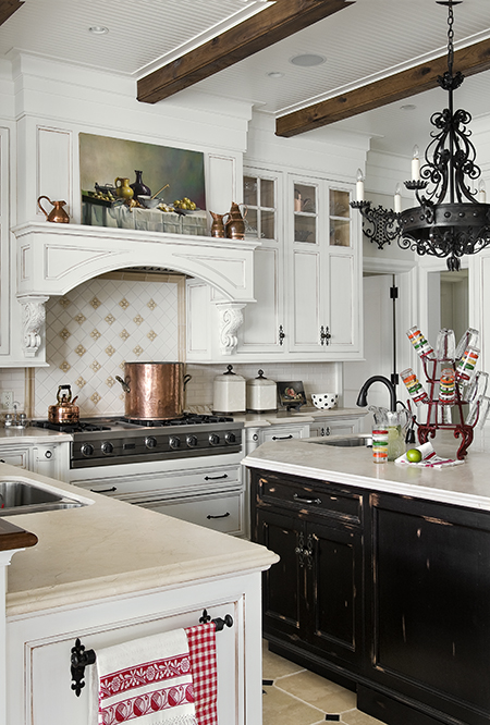 A TMS kitchen made for entertaining and family gatherings. Source: Karosis Photography